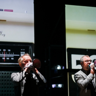 Martin Nagy (tenor) and Andreas Fischer (bass) in Private View. Photo by Koen Broos.