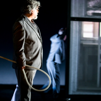 Guillermo Anzorena (baritone) in Private View. Photo by Koen Broos.