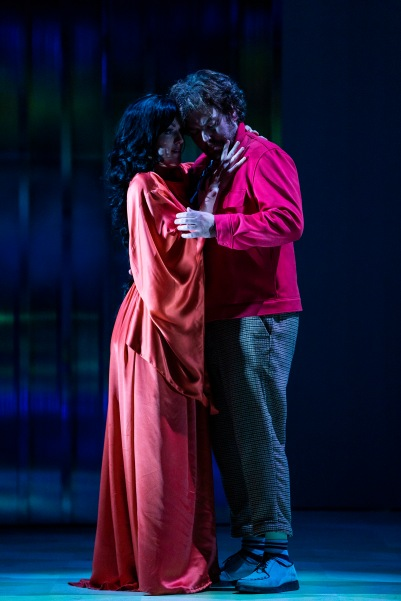 Claudia Boyle (Giulietta) and Julian Hubbard (Hoffmann) in The Tales of Hoffmann. Photo by Pat Redmond.